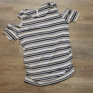 Ribbed white and navy striped M maternity shirt